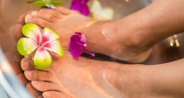 How To Rock A Dark Pedicure During Spring