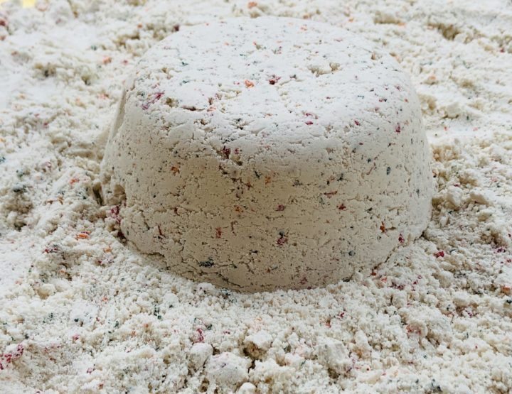 Your Kid Will Feel Like An Astronaut When You Make Moon Sand Together