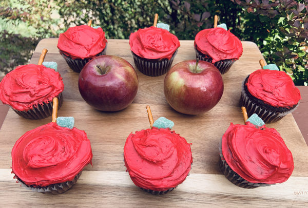 These Apple Cupcakes Will Get Your Kid To The Head Of The Class