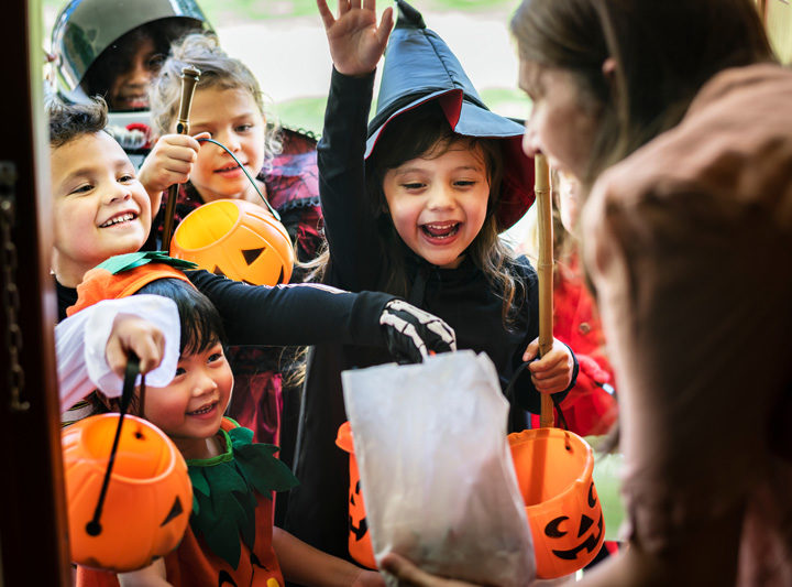 How Much Candy Should Your Kid Eat On Halloween, According To A Pediatric Dentist
