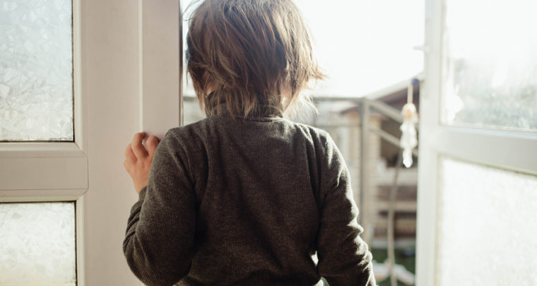 If Your Child Is Afraid To Leave The House, Here's How You Can Help