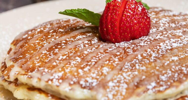 This Recipe For Lemon Poppy Seed Pancakes Will Totally Make Your Mornings