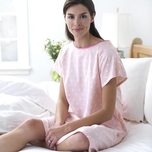 Rachel Zinny of Dearjohnnies Makes Giving Birth Look Chic